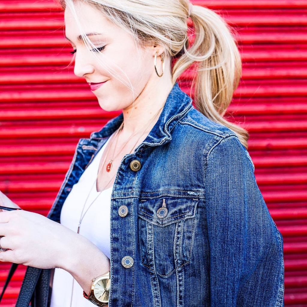 Casual Friday -- Denim jacket is a necessity! I've linked two price points & you can shop straight from your inbox with👉🏼 @liketoknow.it www.liketk.it/2bpQD #liketkit 📷 @katedavisphoto